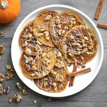 Cinnamon Bun Pancakes With Ground Salba